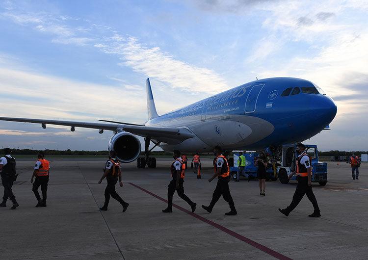 Parte esta tarde el primero de los vuelos a China para traer más vacunas Sinopharm