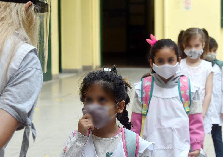 Dos gremios docentes porteños y uno bonaerense reclaman por la suspensión de clases presenciales