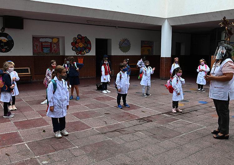 Ctera pidió suspensión temporal de clases presenciales en distritos con suba exponencial de contagios
