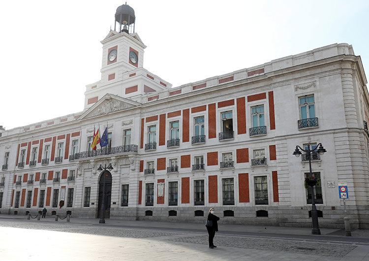 España suspendió la aplicación de la vacuna de AstraZeneca en menores de 60 años
