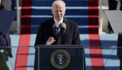 Estados Unidos impone sanciones económicas a Rusia y expulsa a…