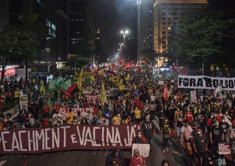 Brasil: Multitudes de manifestantes contra Bolsonaro y su gestión de la pandemia