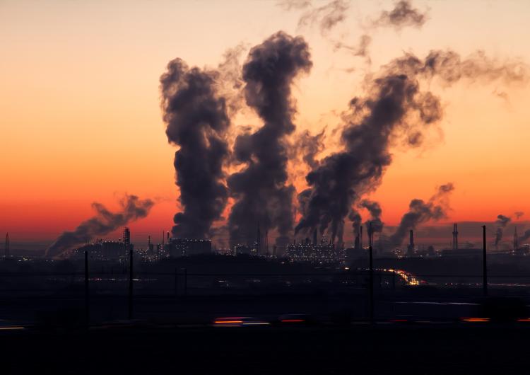 G7 destinó 189,000 millones de dólares a sectores contaminantes durante la pandemia: informe