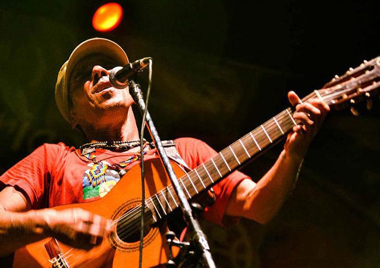 Manu Chao cumple 60 años: una vida de música, viajes y compromiso social