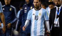 Argentina, sin brillar y con un Messi récord, pasó a…