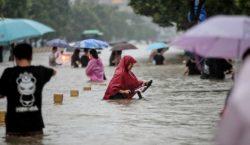 Evacúan a miles de habitantes por inundaciones en China, amenazada…