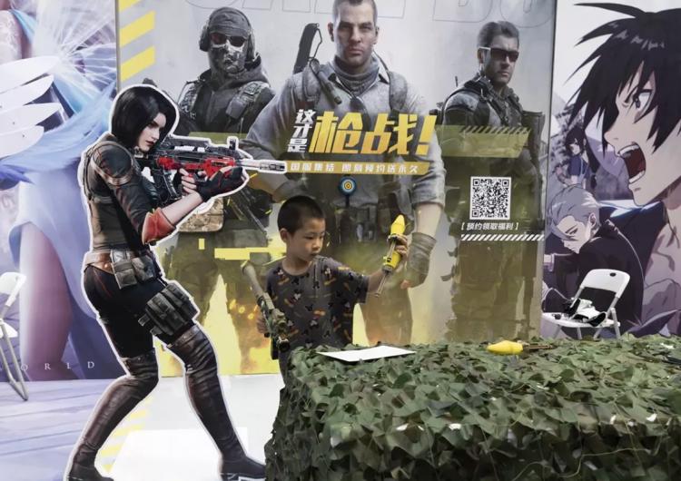China limita a los niños los videojuegos a tres horas por semana