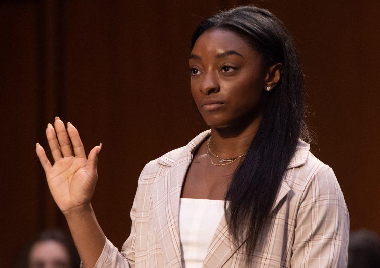 Simone Biles: 'El Comité Olímpico y Paralímpico de EE.UU sabía que el médico oficial de su equipo abusó de mí'