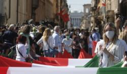 Italia se prepara a hacer obligatorio el «pase verde» a…