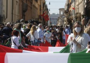 Italia se prepara a hacer obligatorio el «pase verde» a todos los trabajadores públicos y privados