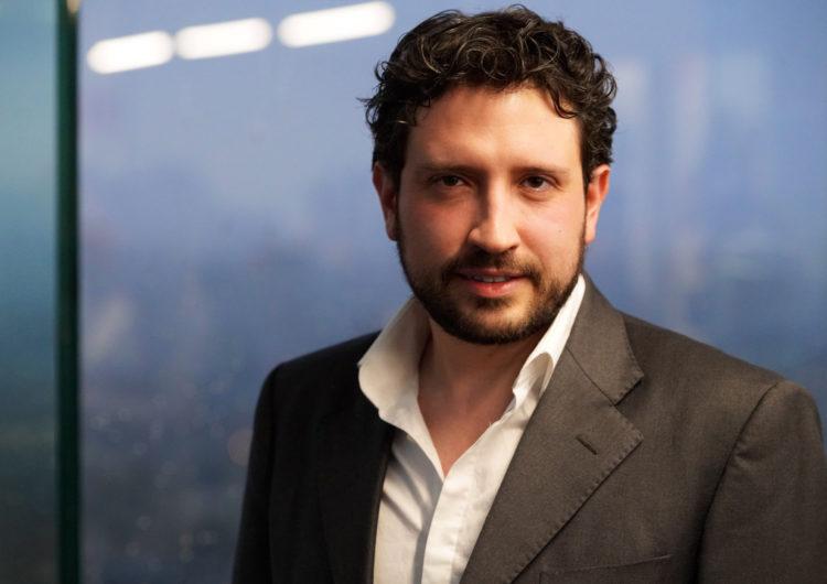 """Carlos Quintanilla: """"Antes era difícil abordar algunos temas en televisión, pero ahora, con las plataformas, ya no hay censura temática"""""""