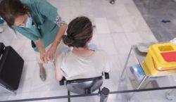 Córdoba comenzará a vacunar a los adolescentes de 17 años…